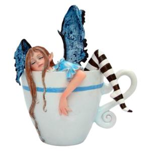 Figura de hada en taza