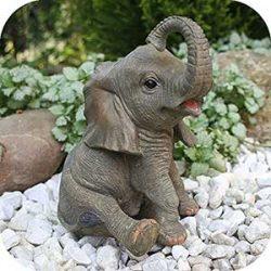 Elefante trompa hacia arriba